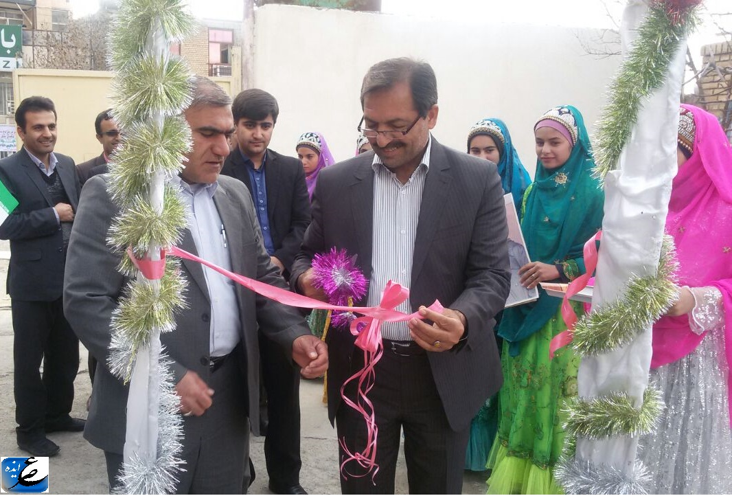 افتتاح نمایشگاه صنایع دستی در هنرستان حضرت مرضیه(س) دهدز