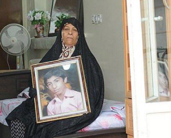مادر شهیدی که ۱۴ سال از خانه بیرون نیامد
