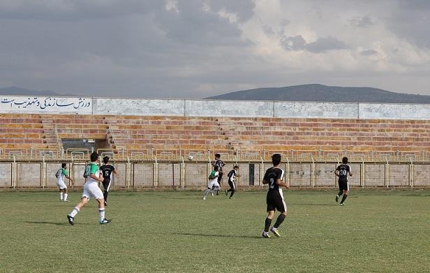 فولادنوین با شکست شاهین به فینال لیگ فوتبال ایذه راه یافت+ حاشیهای خونین