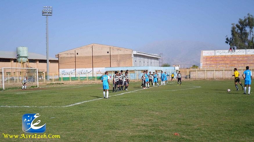 برد انقلاب در بازی افتتاحیه لیگ فوتبال ایذه