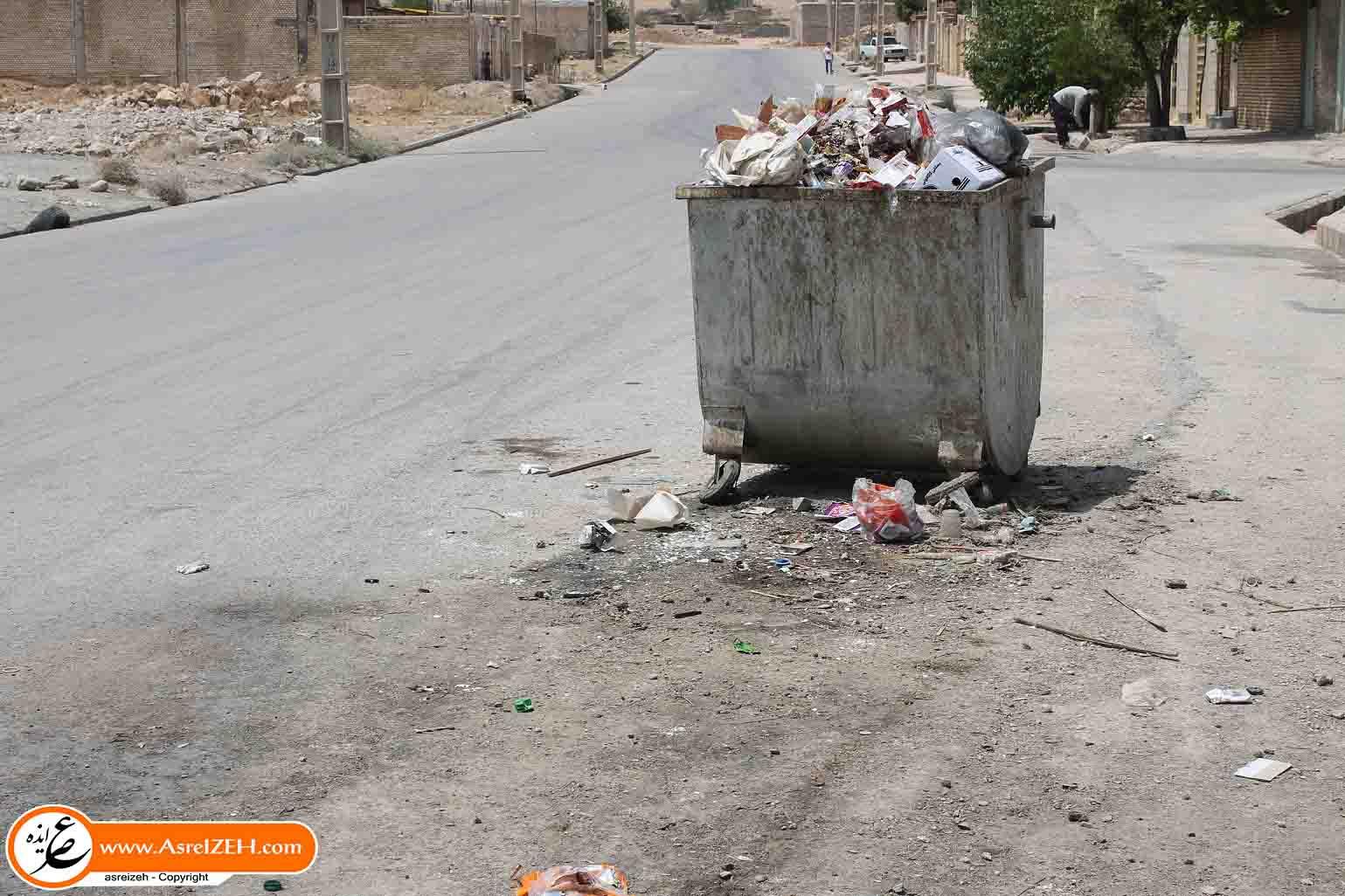 کلافگی شهروندان ایذهای از اوضاع نابسامان و بوی بد سطلهای زباله شهری+ تصاویر