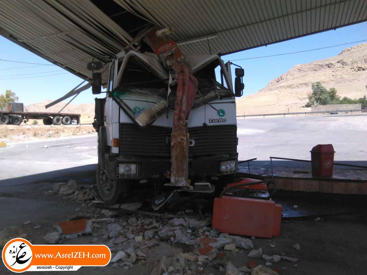 حادثهای در پمپ بنزین ورودی شهر ایذه/ فاجعهای که میرفت جان چندین نفر را بگیرد + تصاویر