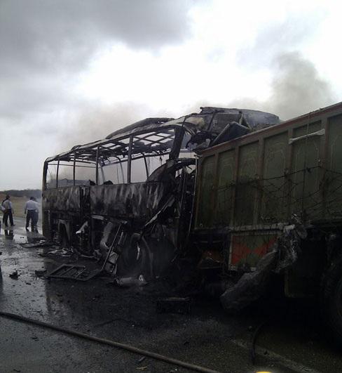 داستان غم انگیز «جاده مرگ»/ وقتی مردم خوزستان دست به طومار میشوند