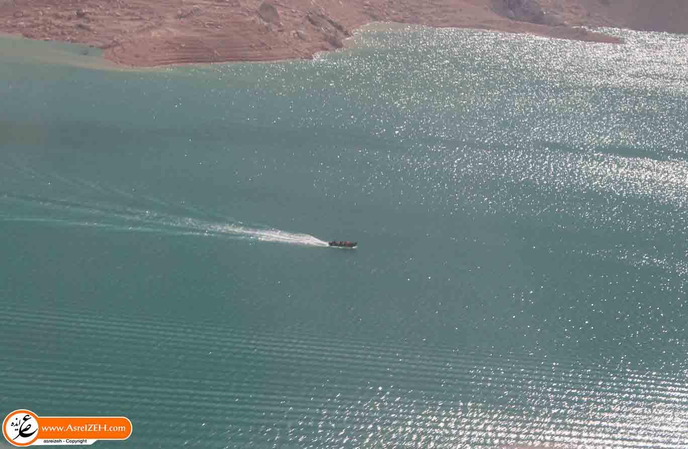 عکس/ قایق سواری در دریاچه سد کارون ۳