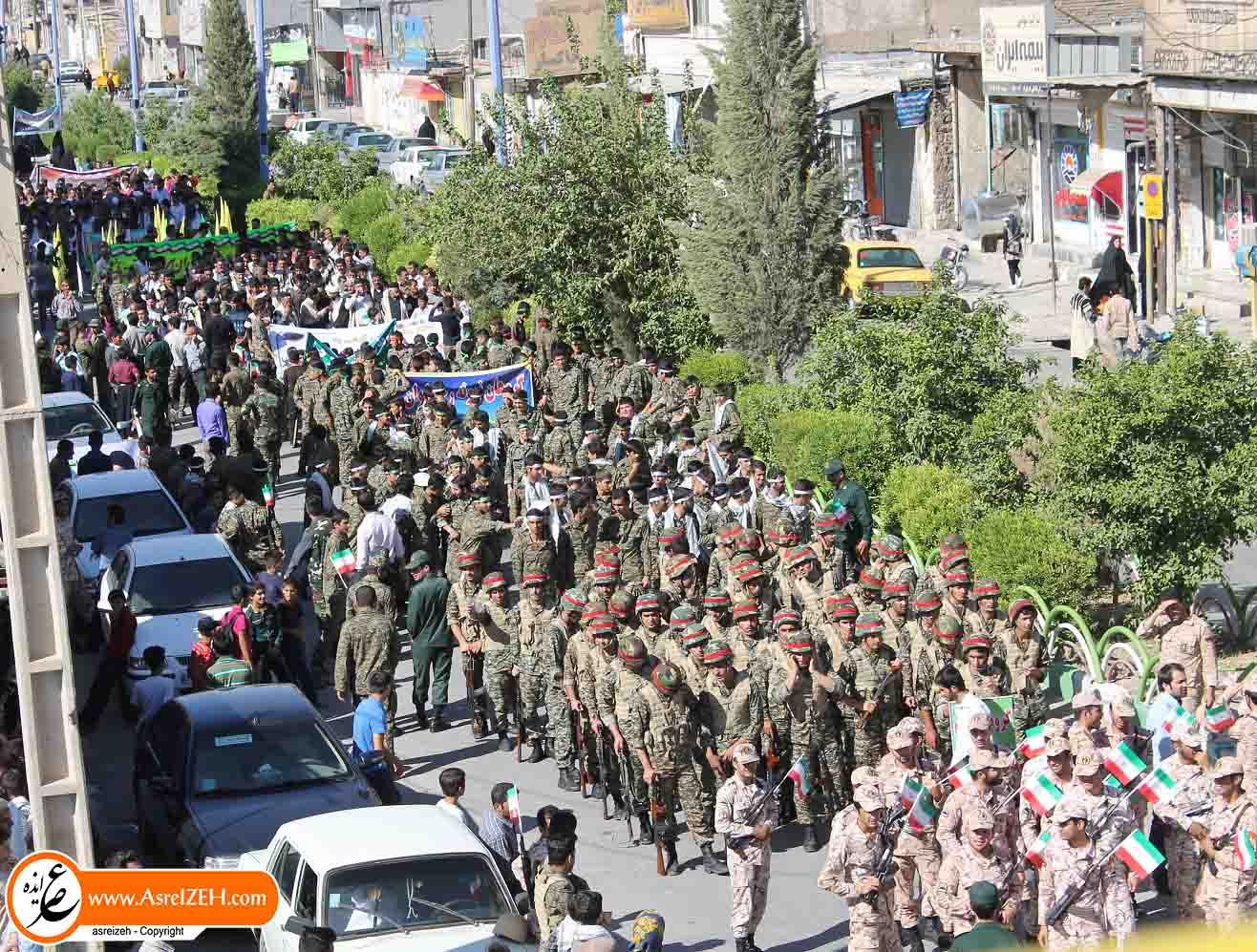 گزارش تصویری رژه نیروهای مسلح به مناسبت هفته دفاع مقدس در ایذه