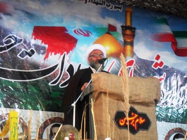 خون شهدا یک پشتوانه بزرگ برای مملکت اسلامی ایران است