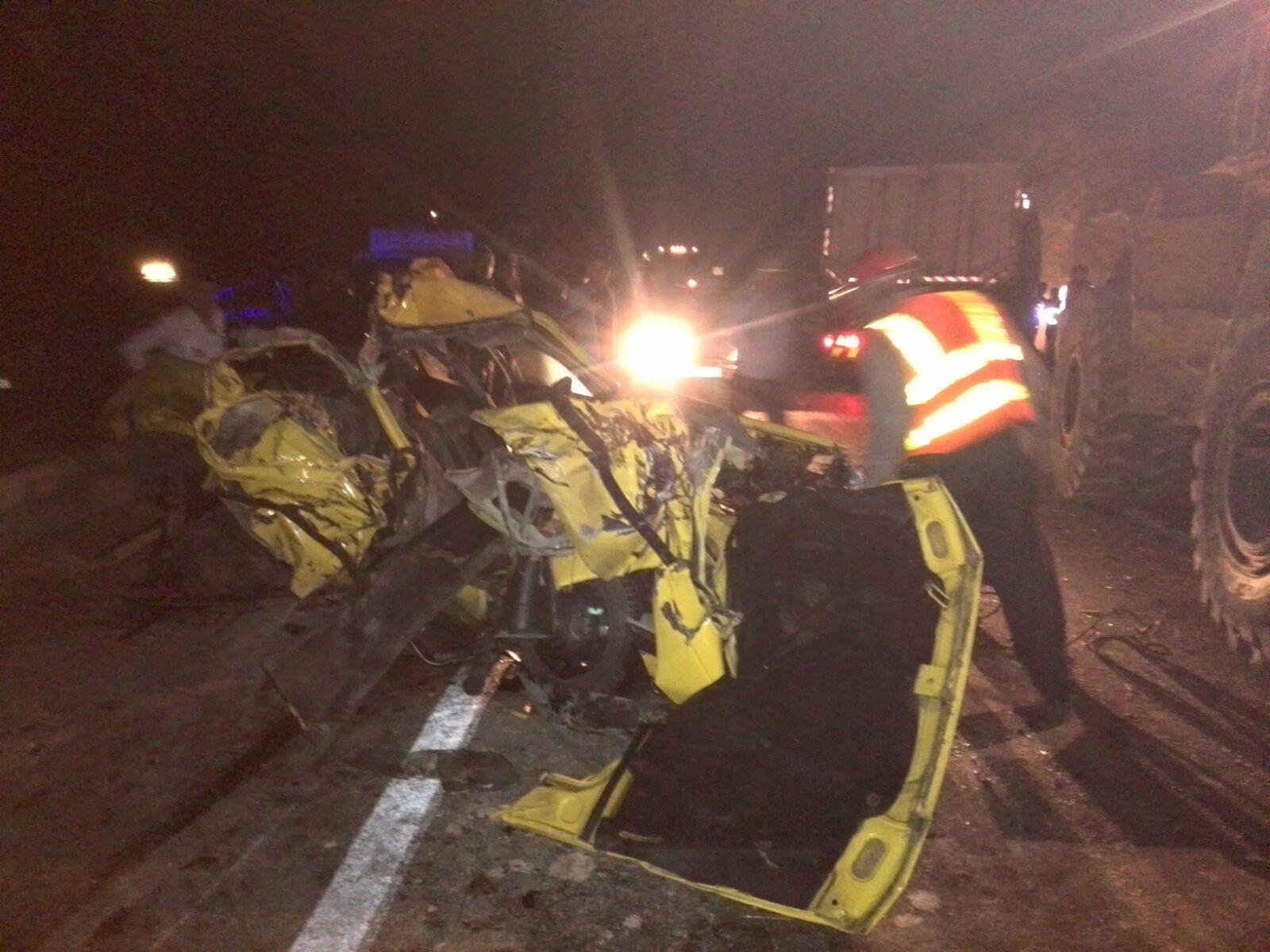 ۵کشته و زخمی در تصادف رانندگی محور ایذه – اهواز + عکس
