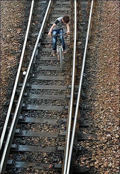 راه آهن ایذه، رویایی که در ازدحام وعدهها گم شد/ آیا مردم ایذه صدای سوت قطار را خواهند شنید؟