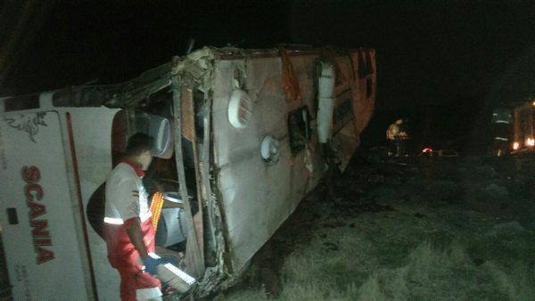 آخرین خبرها از حادثه اتوبوس سربازان در مسیر کرمان-اهواز +تصاویر و اسامی جانباختگان