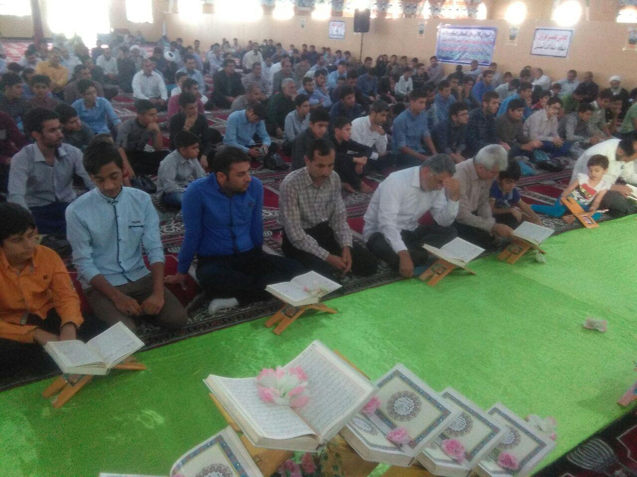 عکس/ محفل انس با قرآن در ایذه
