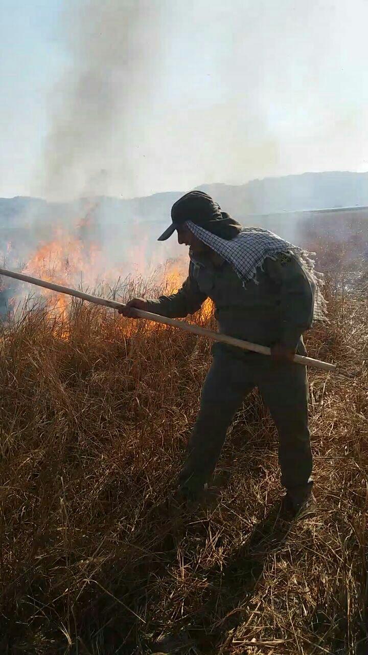 آتش سوزی تالاب میانگران ایذه عمدی بود/ بیش از ۱۰۰هکتار از اراضی تالاب تصرف شده است