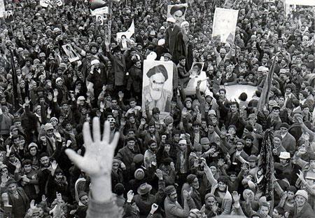 انقلاب و انتظار