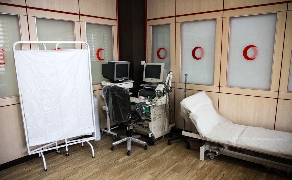 درمانگاه هلال احمر ایذه پَر/ ماجرای پسفرستادن تجهیزات چند صد میلیونی درمانگاه
