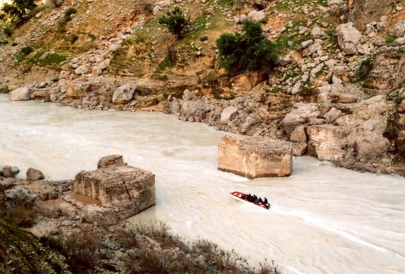 پل تاریخی پاپیلا اثری کم نظیر در بخش سوسن ایذه